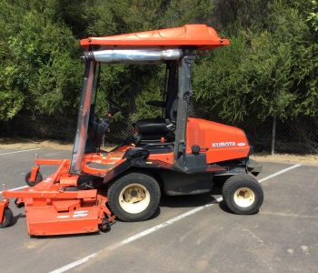 Kubota F3690 Outfront Mower With Curtains