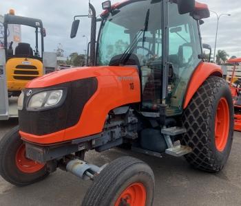 Kubota M7040DHC Cab Tractor (BM)